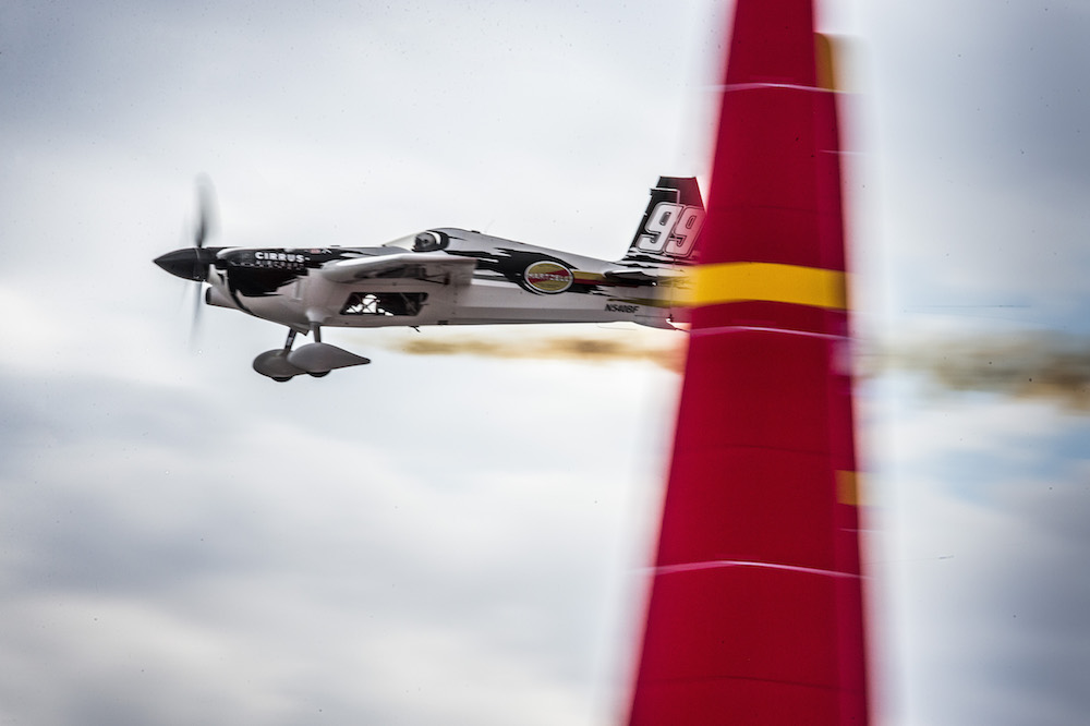 Emotional Finale for 2015 Las Vegas Red Bull Air Race